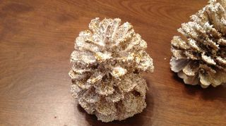 q how to bleach pine cones, christmas decorations, crafts, how to, seasonal holiday decor