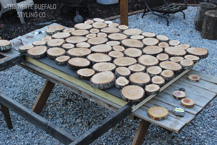 diy headboard wood stump round, bedroom ideas, diy, repurposing upcycling, woodworking projects