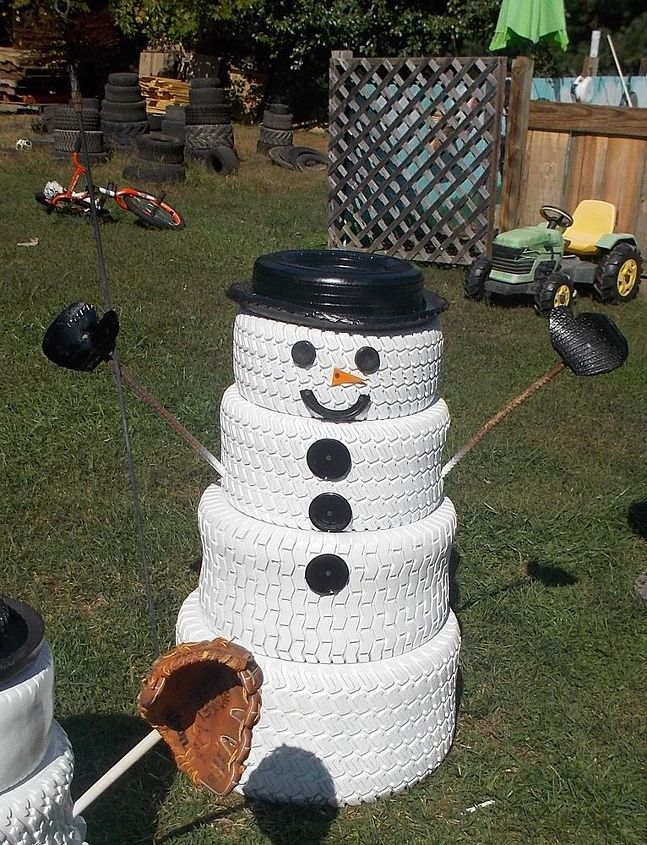 The snowman family made from tires hometalk for Tire decoration ideas