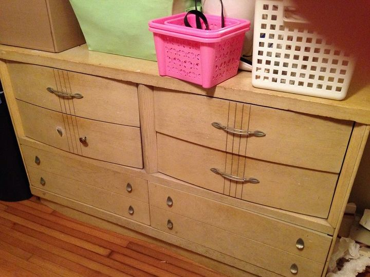 What Should I Do With This Great Old Vintage 50 S Bedroom