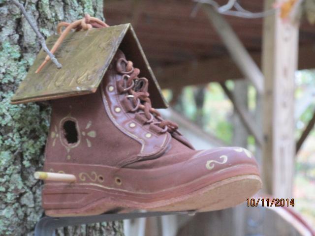 repurpose garden boot birdhouse, outdoor living, repurposing upcycling