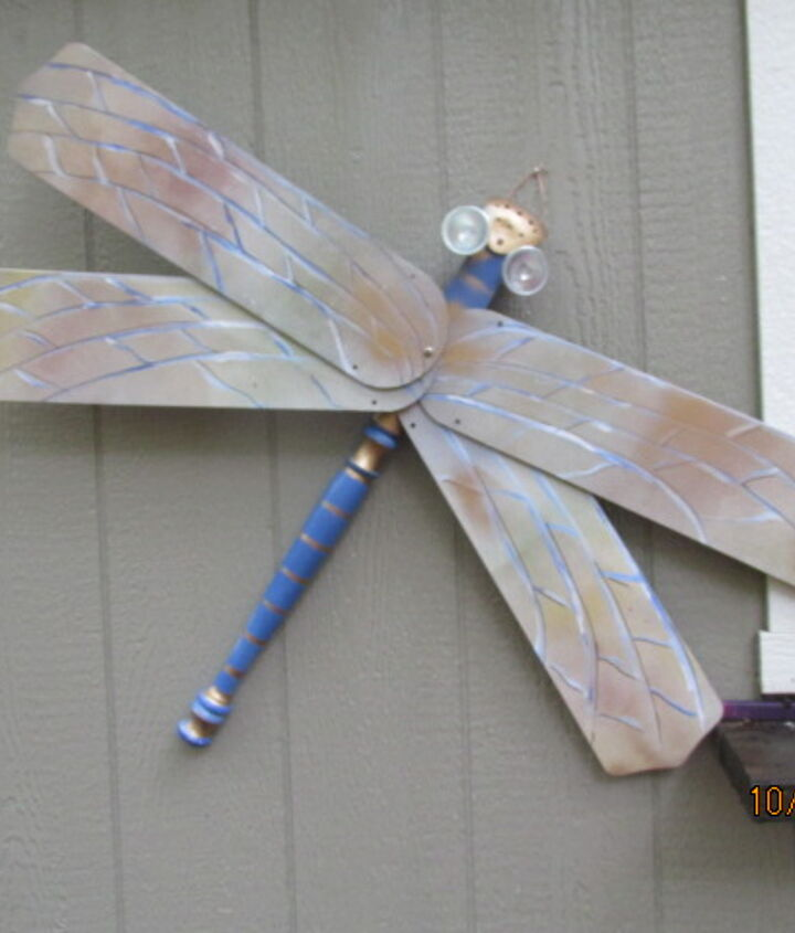 making an upcycle dragon fly leads to another project using leftovers, crafts, repurposing upcycling, wall decor