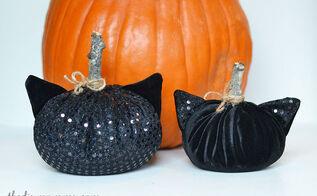 black cat velvet pumpkins, crafts, halloween decorations, seasonal holiday decor