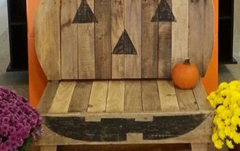 pallet halloween pumpkin bench upcycle, diy, halloween decorations, outdoor furniture, pallet, repurposing upcycling, seasonal holiday decor, woodworking projects, In action