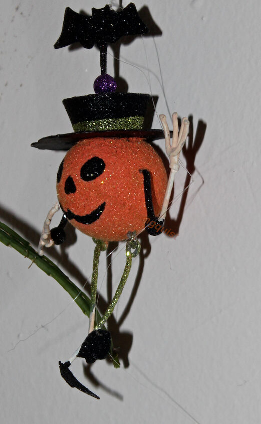 honoring national pumpkin day with a contest in my garden, gardening, halloween decorations
