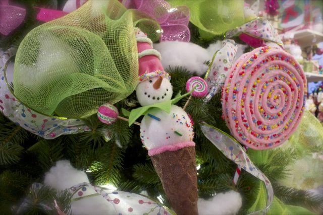 candyland christmas tree tutorial christmas decorations crafts seasonal holiday decor - Candyland Christmas Tree Decorations