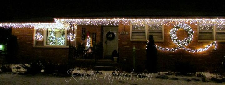 how to hang outdoor holiday lights quickly, christmas decorations, diy, how to, lighting, seasonal holiday decor