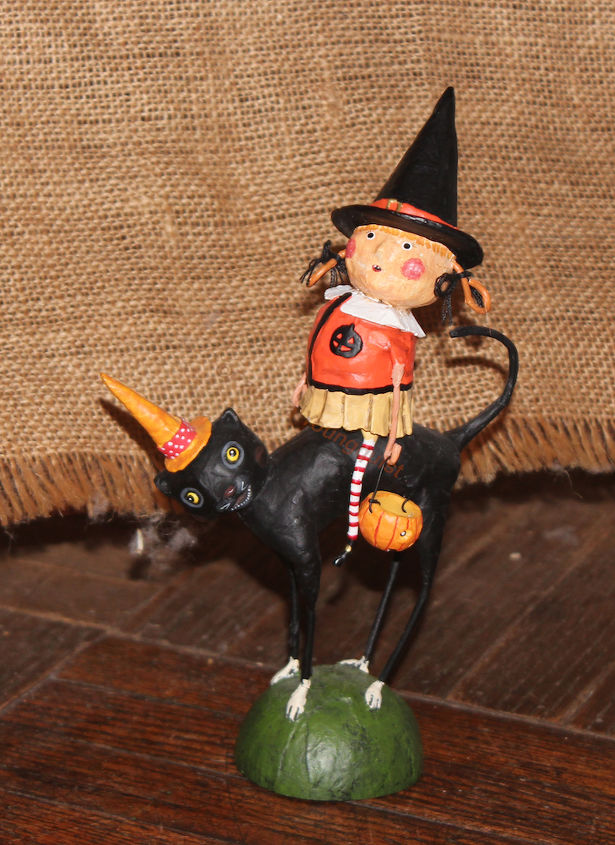 halloween figurine display, container gardening, gardening, halloween decorations, home decor, seasonal holiday decor