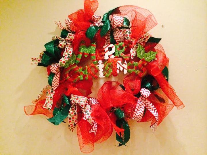 q deco mesh christmas wreath holiday craft, christmas decorations, crafts, seasonal holiday decor