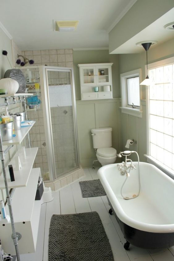 Bathroom 'before';  in need of some character
