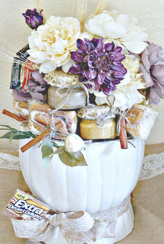 turn your leftover halloween pumpkin into a gift basket, repurposing upcycling, seasonal holiday decor