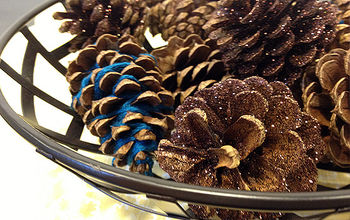 Holiday Decor: Pimp Out Your Pinecones