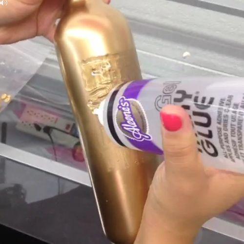 How To Make Holiday Sequin Glitter Bottles | Hometalk