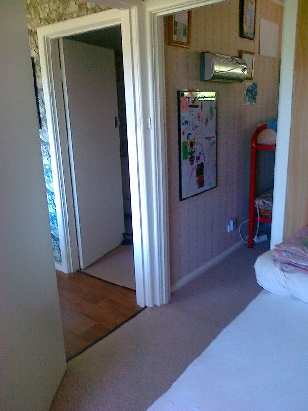 q storage ideas for very small bedrooms, bedroom ideas, storage ideas, Showing the two doors in one corner of the room