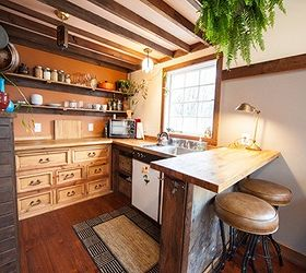Tiny Guesthouse Built With Reclaimed Materials, Architecture, Home Decor