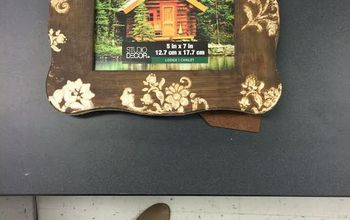 Stenciling a Rustic-Chic Picture Frame