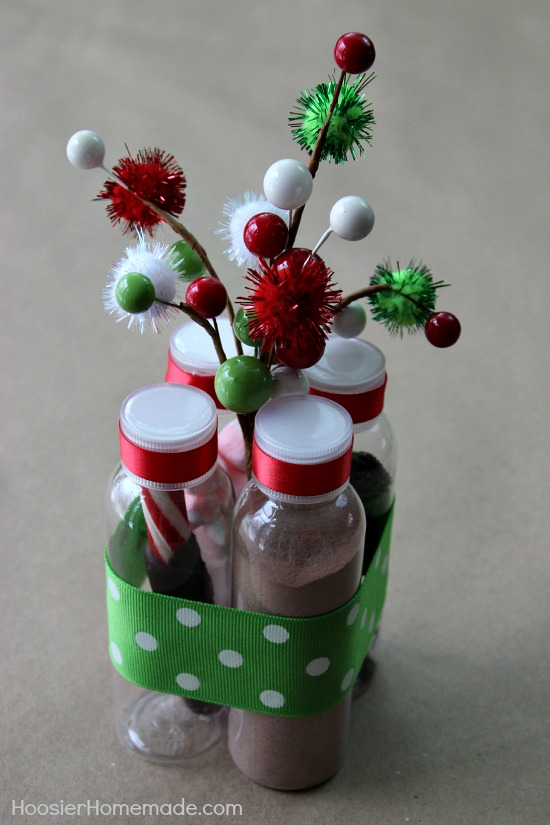 How to make a christmas gift hot cocoa kit hometalk how to make the perfect hot cocoa kit gift crafts seasonal holiday decor solutioingenieria Choice Image