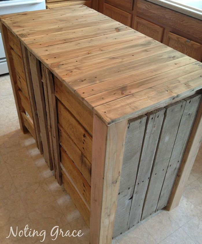 How to make a pallet kitchen island for less than 50 for How to make a pallet kitchen table