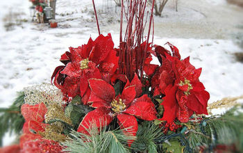 How To Make An Outdoor Christmas Arrangement Using A Very Easy System!
