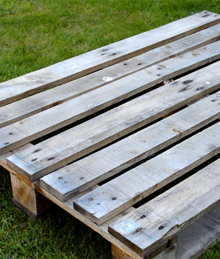 The wood from one pallet can make two trugs