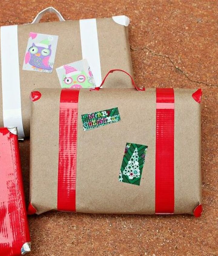 how to wrap gifts to look like retro suitcases, christmas decorations, crafts, seasonal holiday decor