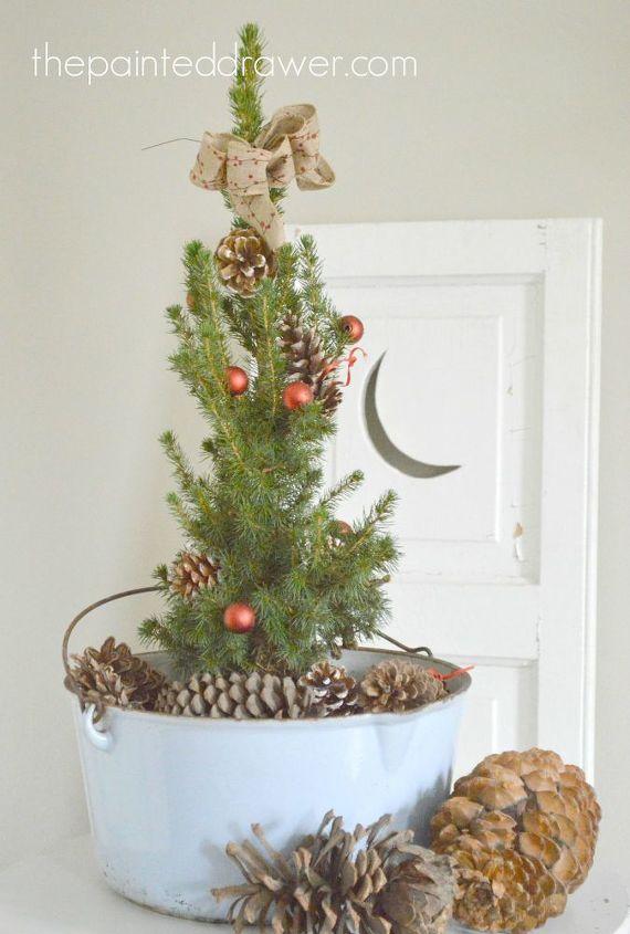 creating farmhouse christmas arrangements with vintage enamelware christmas decorations gardening home decor