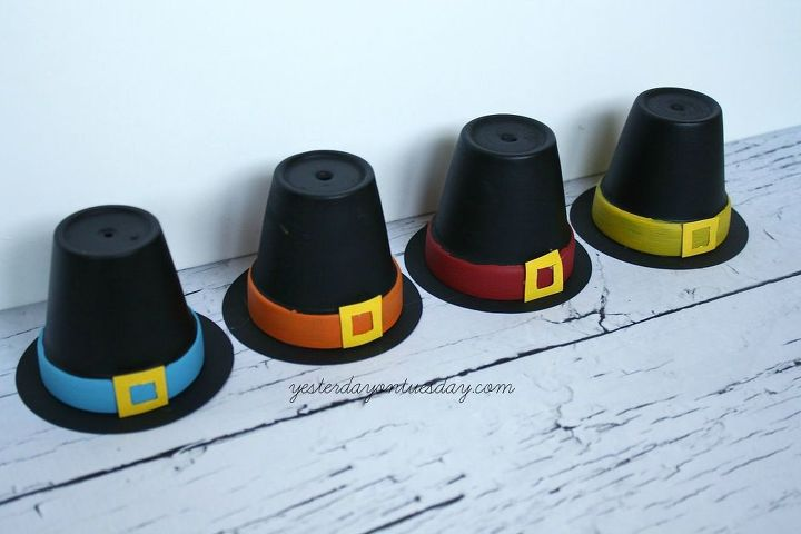 pilgrim hat placeholders, crafts, seasonal holiday decor, thanksgiving decorations