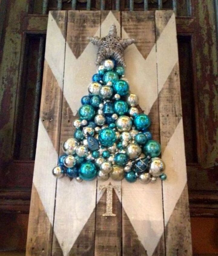 Chevron Pallet Christmas Tree