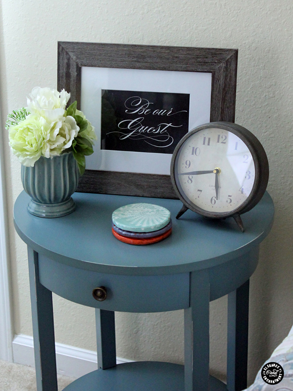 how to use printables to decorate a guest room, bedroom ideas, home decor