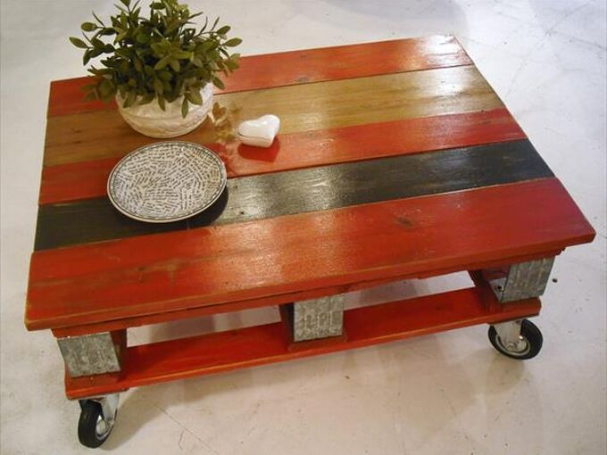 Fantastic Red Pallet Coffee Table With Instructions Hometalk Bralicious Painted Fabric Chair Ideas Braliciousco