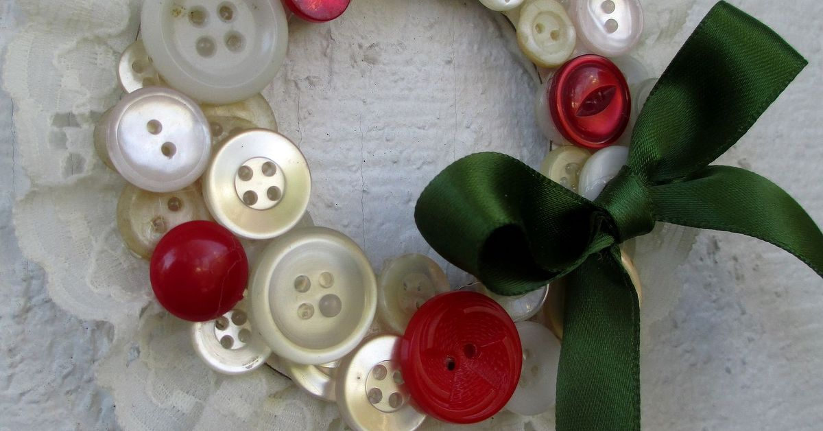 How To Make Vintage Button Wreath Ornaments Hometalk