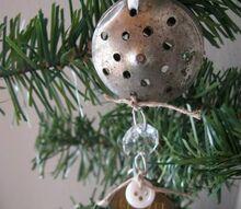 repurposed salt lid star christmas ornament, christmas decorations, repurposing upcycling, seasonal holiday decor
