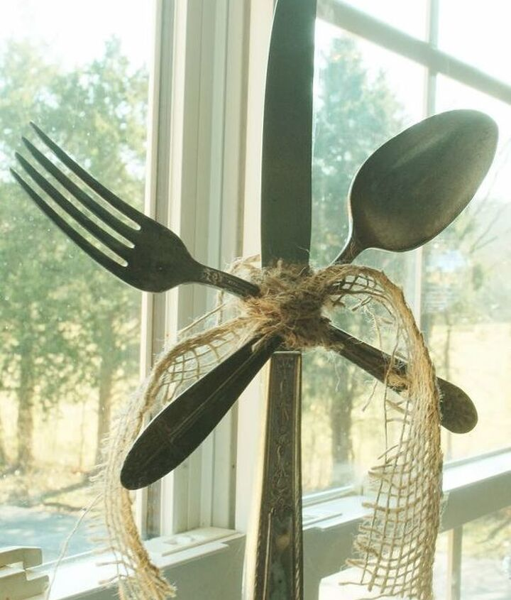 how to make vintage silverware snowflakes ornaments, christmas decorations, crafts, seasonal holiday decor