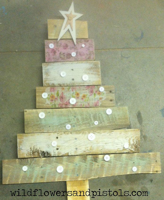 pallet wood christmas trees christmas decorations painted furniture pallet - Pallet Wood Christmas Tree