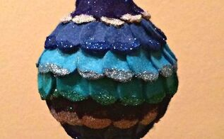 how to make glitter and felt circle ornament, christmas decorations, crafts, seasonal holiday decor