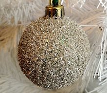 upcycled thrift store ornaments, christmas decorations, crafts, repurposing upcycling, seasonal holiday decor