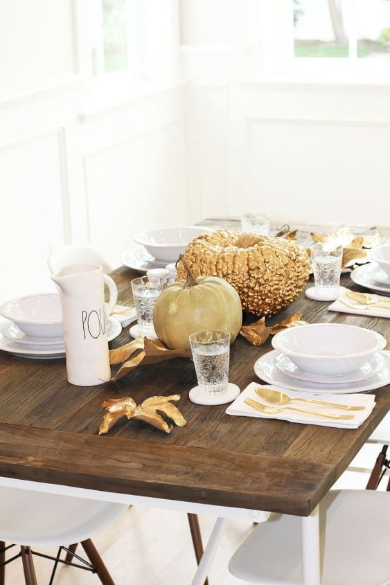 gold inspired thanksgiving table ideas, crafts, seasonal holiday decor, thanksgiving decorations