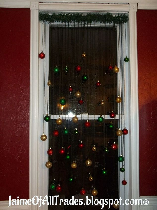 diy christmas window decoration, christmas decorations, home decor, how to, seasonal holiday decor, window treatments