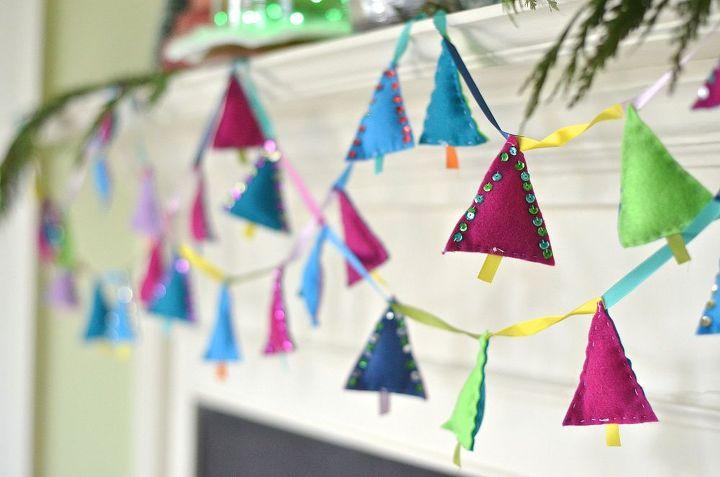 felt tree garland, christmas decorations, crafts, repurposing upcycling, seasonal holiday decor
