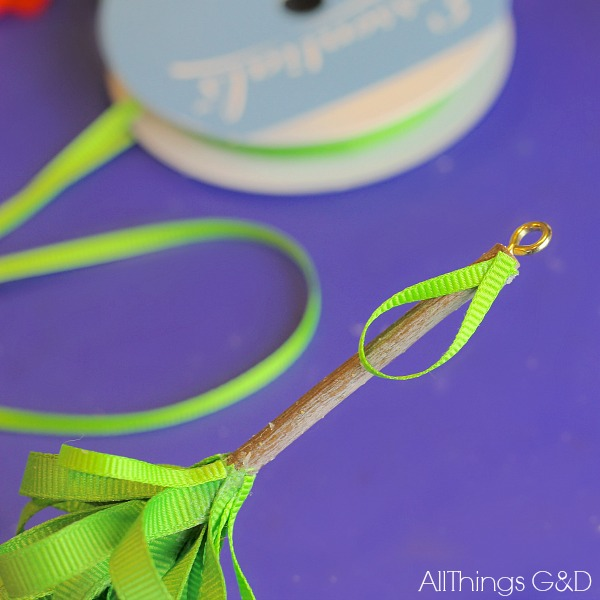 how to make a ribbon and stick christmas tree ornament, christmas decorations, crafts, seasonal holiday decor