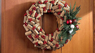 q wine cork ideas for christmas, christmas decorations, crafts, repurposing upcycling, seasonal holiday decor