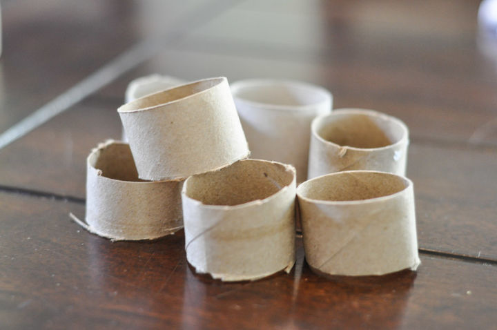 how to quickly make napkin rings, crafts, seasonal holiday decor