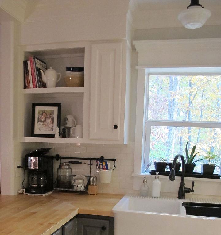 Redone Kitchen Cabinets: Kitchen Redo Ideas Using White Paint