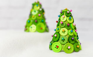 diy button christmas trees, christmas decorations, crafts, seasonal holiday decor