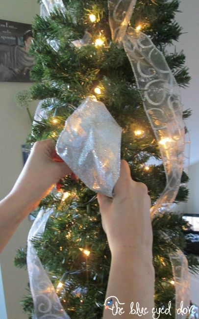 how to hang ribbon on a christmas tree christmas decorations how to seasonal
