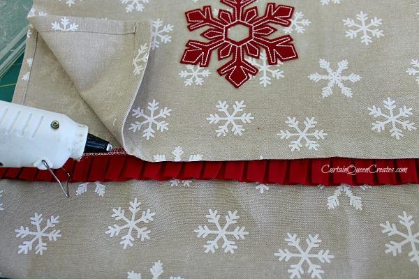 No Sew Christmas Pillows: DIY Christmas Pillow Slip Covers  No Sew or Low Sew   Hometalk,