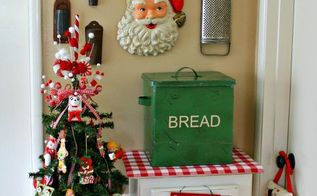 vintage kitchen christmas tree, christmas decorations, crafts, seasonal holiday decor