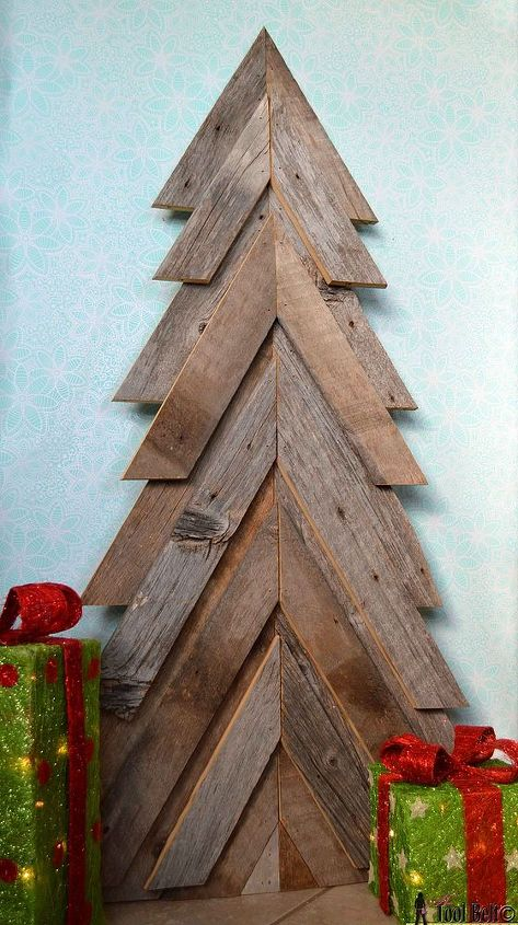 rustic christmas tree, christmas decorations, pallet, repurposing upcycling, seasonal holiday decor, woodworking projects