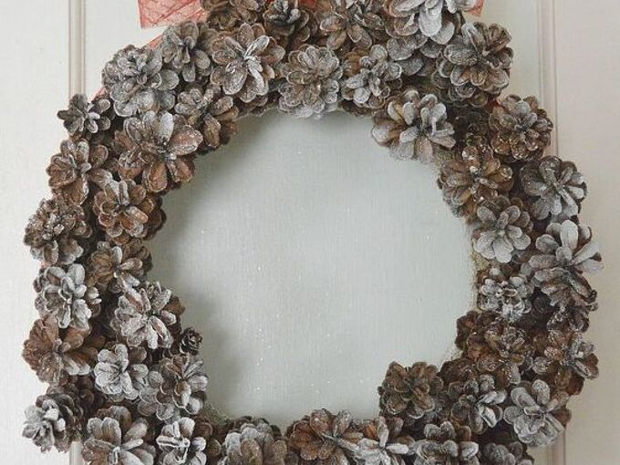 how to make a christmas pinecone wreath for less than 10, christmas decorations, crafts, seasonal holiday decor, wreaths