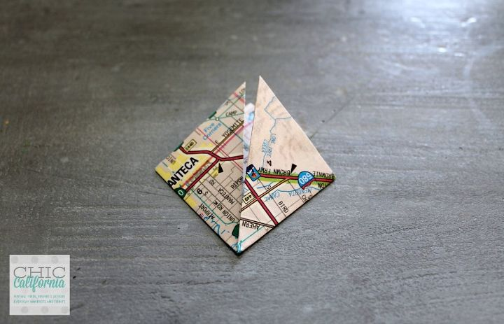 how to make vintage map ornament, christmas decorations, crafts, repurposing upcycling, seasonal holiday decor